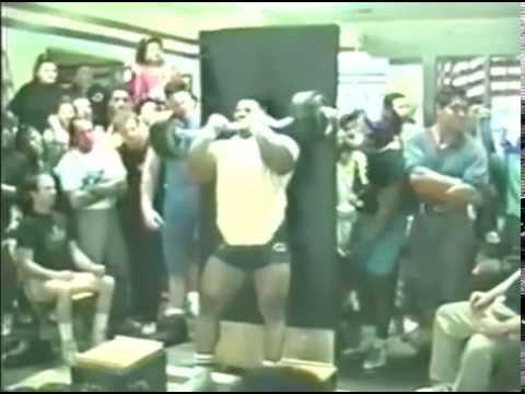 Strict Curl 102 kg (225 lbs) CT Fletcher