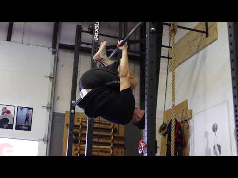 Front Lever Tuck Hold
