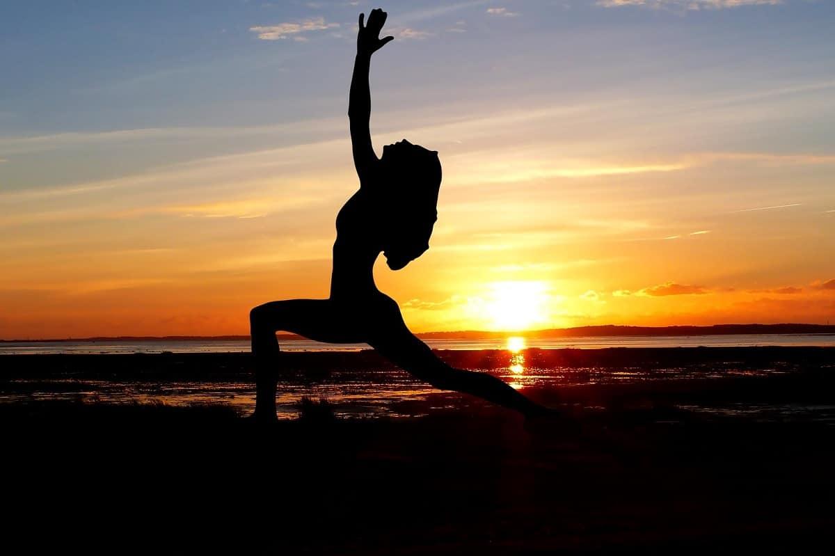 cómo estirar y fortalecer el psoas