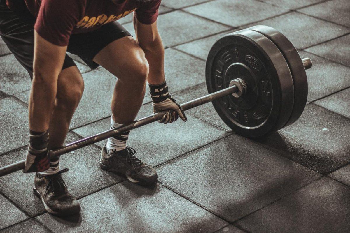 Es el peso muerto un ejercicio para la espalda o para las piernas?